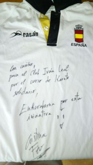 Camiseta original y firmada para el Sorteo del Club Iván leal del curso de Karate Solidario.