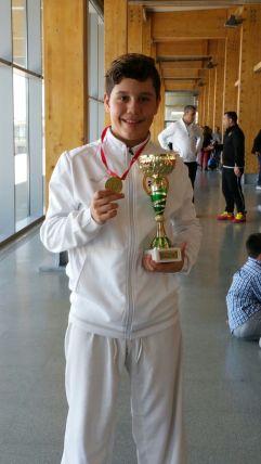 Con la copa y Medalla de Campeón del Trofeo Primavera por Equipos Mixto 2017