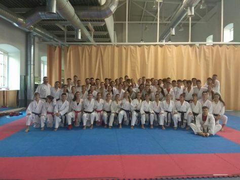 Concentración en la Federación Madrileña de Karate